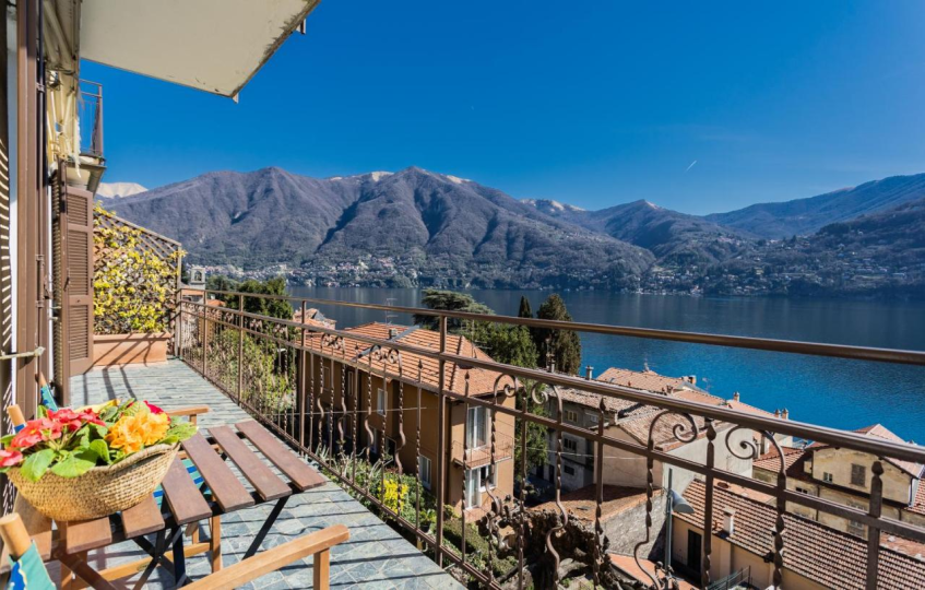 Lovely Apartment Overlooking Lake Como by RentAllComo